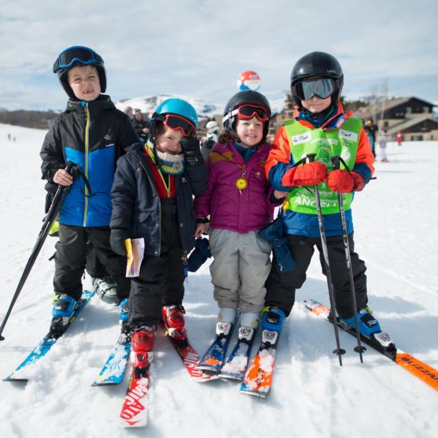 Fin des cours de ski et remise des médailles à Ancelle : Ourson , Flocon et 1ère étoile
