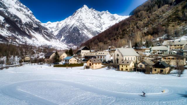 Village de Champoléon en hiver