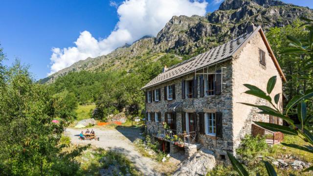 Hautes-Alpes, 05, Parc national des Ecrins, Vallée du Valgaudemar, Refuge du Clot ( Xavier Blanc, CAF ),  altitude 1397m  //  Hautes-Alpes, 05, Ecrins national park, Valgaudemar valley, Refuge du Clot (Xavier Blanc), altitude 1397m