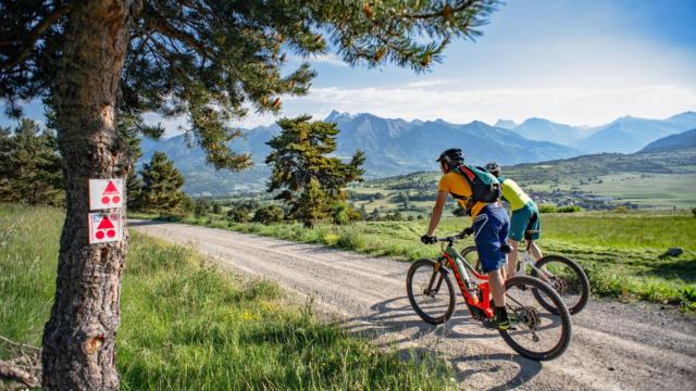 Activité VTT dans le Champsaur au Col de Manse
