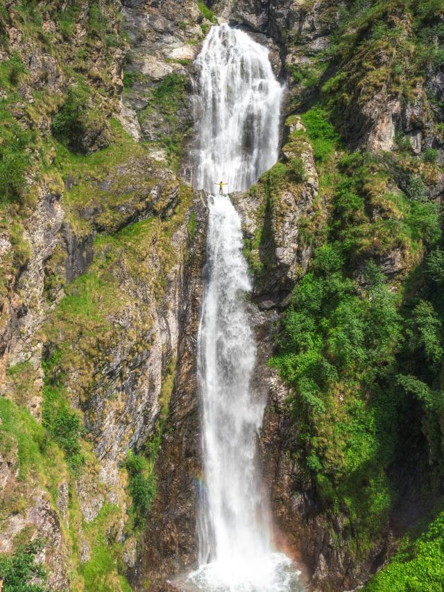 Cascade du Buchardet dans le Valgaudemar