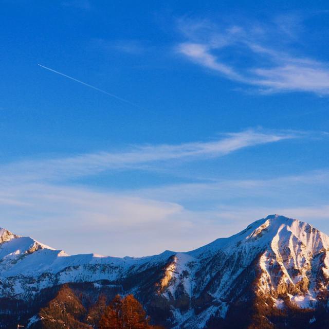 Montgolfière en hiver à Chaillol dans les Hautes Alpes